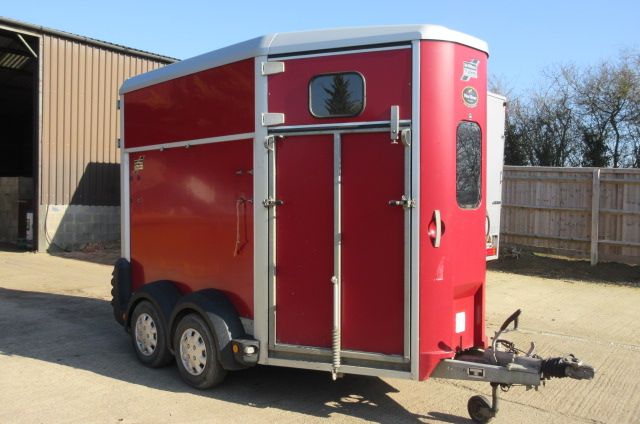 2009 Model Ifor Williams 506 Horse trailer. Excellent condition throughout