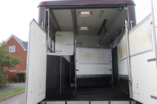 2003 Model 52 Iveco Eurocargo 75E18 Oakley Supreme. 7.5 ton. 3 stall with smart luxury living.. Beautiful truck....