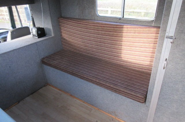 Iveco Eurocargo 75E15 Coach built 7.5 ton Horsebox. Stalled for 3 with smart day living. Very reliable horsebox