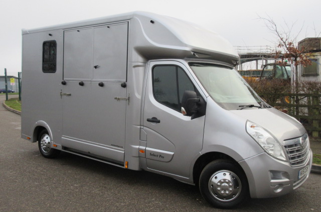 *** DEPOSIT TAKEN *** 2016 Vauxhall Movano 3.5 ton Brand new Select Pro Build. Stalled for 2 rear facing.. Full stallion partition...