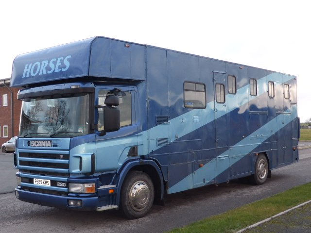 1998 Scania Coach built horsebox. Stalled for 5 with smart luxury living