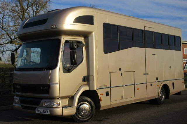 Stunning 7.5 ton Whittaker coach built horsebox. 2003 DAF LF  chassis. Stalled for 3 with full luxury living. VERY LOW MILEAGE