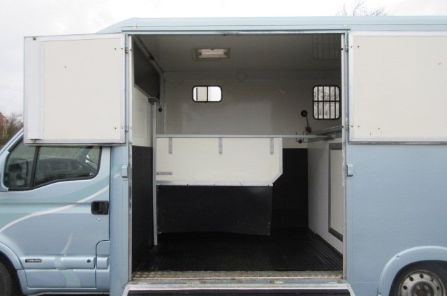 *** DEPOSIT TAKEN *** 2008 Vauxhaul Movano coach built by Chaighley. Built on LWB chassis. Stalled for 2 rear facing