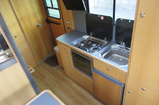 Beautiful Oakley Supreme 10 ton Iveco Eurocargo, stalled for 4 with smart luxury living
