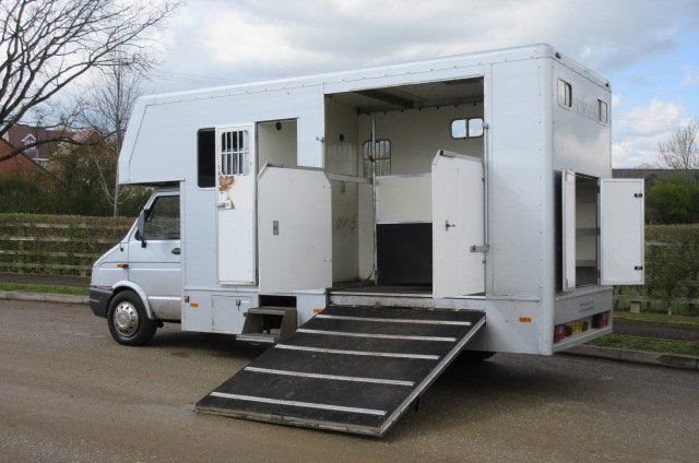 5 To 6 5 Ton Horsebox For Sale Ref 14 624 Deposit