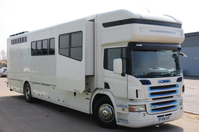 Beautiful 18 T Whittaker Impact 2006 Scania, Stalled for 4/5 with sleeping for 8