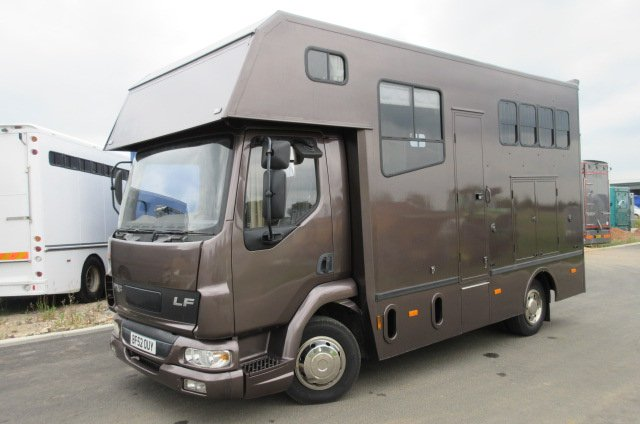 2003 DAF LF Coach built Kevin Parker. Stalled for 3 with smart compact. Beautiful condition..