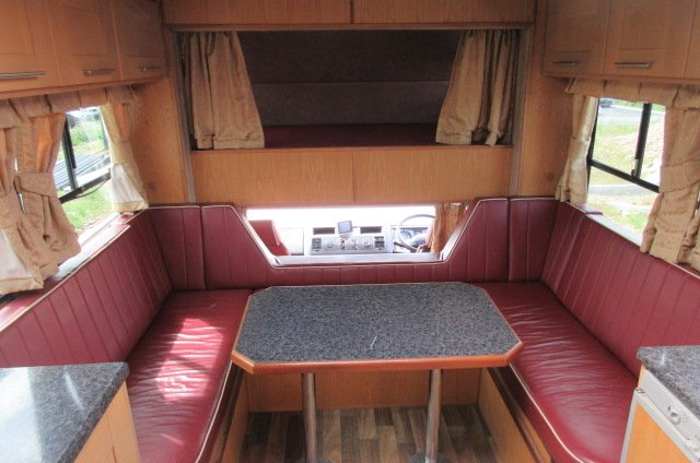 2002 MAN Coach built by Maudsley. Stalled for 5. Sleeping for 5 with luxury living. STUNNING TRUCK