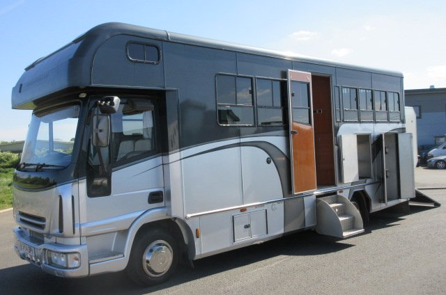 STUNNING Iveco Eurocargo Coach built by Prestige horseboxes. Stalled for 3 with full luxury living