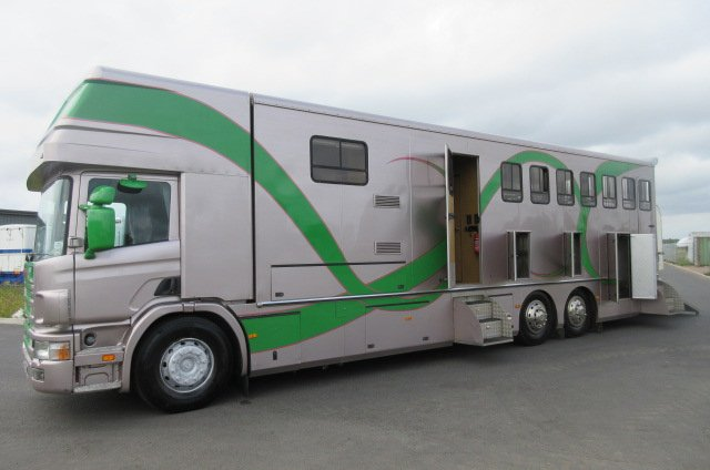 *** DEPOSIT TAKEN *** Scania 360 Coach built by Royal Horseboxes. Stalled for 7 with slide out in the living.. VERY SMART