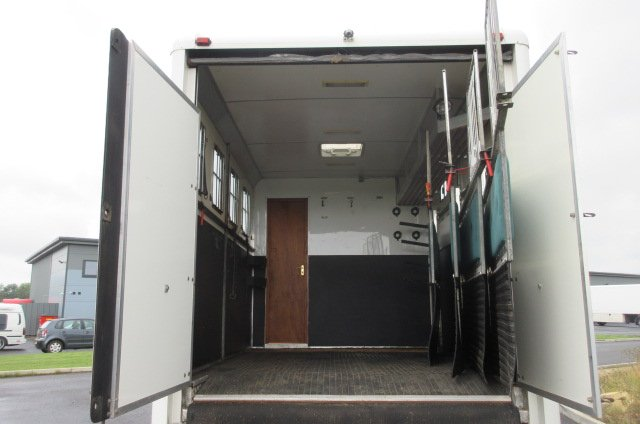 Beautiful 12 Ton Iveco Eurocargo  Moorhouse Coach built Horsebox, stalled for 5 with smart luxury living
