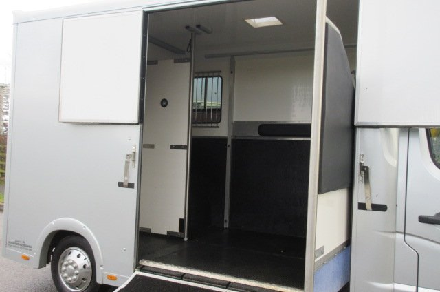 2014 Renault Master 3.5 Ton Coach built by Select. Select Pro model. Stalled for 2 rear facing.. Air conditioning in the cab