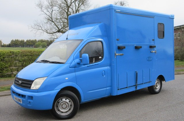 *** DEPOSIT TAKEN *** 2008 LDV Maxus 3.5 Ton Coach built by Hayling horseboxes. Stalled for 2 rear facing.. LWB chassis