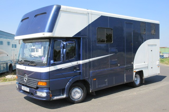 **DEPOSIT TAKEN** 2002 Mercedes Benz Atego Coach built by Sinature horseboxes. Stalled for 3 with smart living.. Full tilt cab
