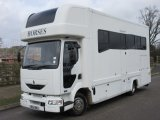 2004 Renault Midlam Coach built horsebox. Stalled for 3 with smart living