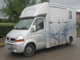 2005 Renault Master coach built by Chaighley. Stalled for 2 rear facing.. Large external tack locker