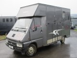 1995 Renault Master 3.5 ton Coach built. Weekender model.. Stalled for 2 rear facing..