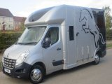 2014 63 Renault Master Crew Cab. Ascot 3.5 ton 2 stall. Seating for 5.  LIKE NEW! 30,939 Miles