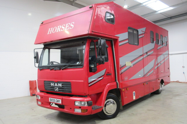 2005 MAN coach built by MTC horsebox stalled for 3/4 with newly refurbished living